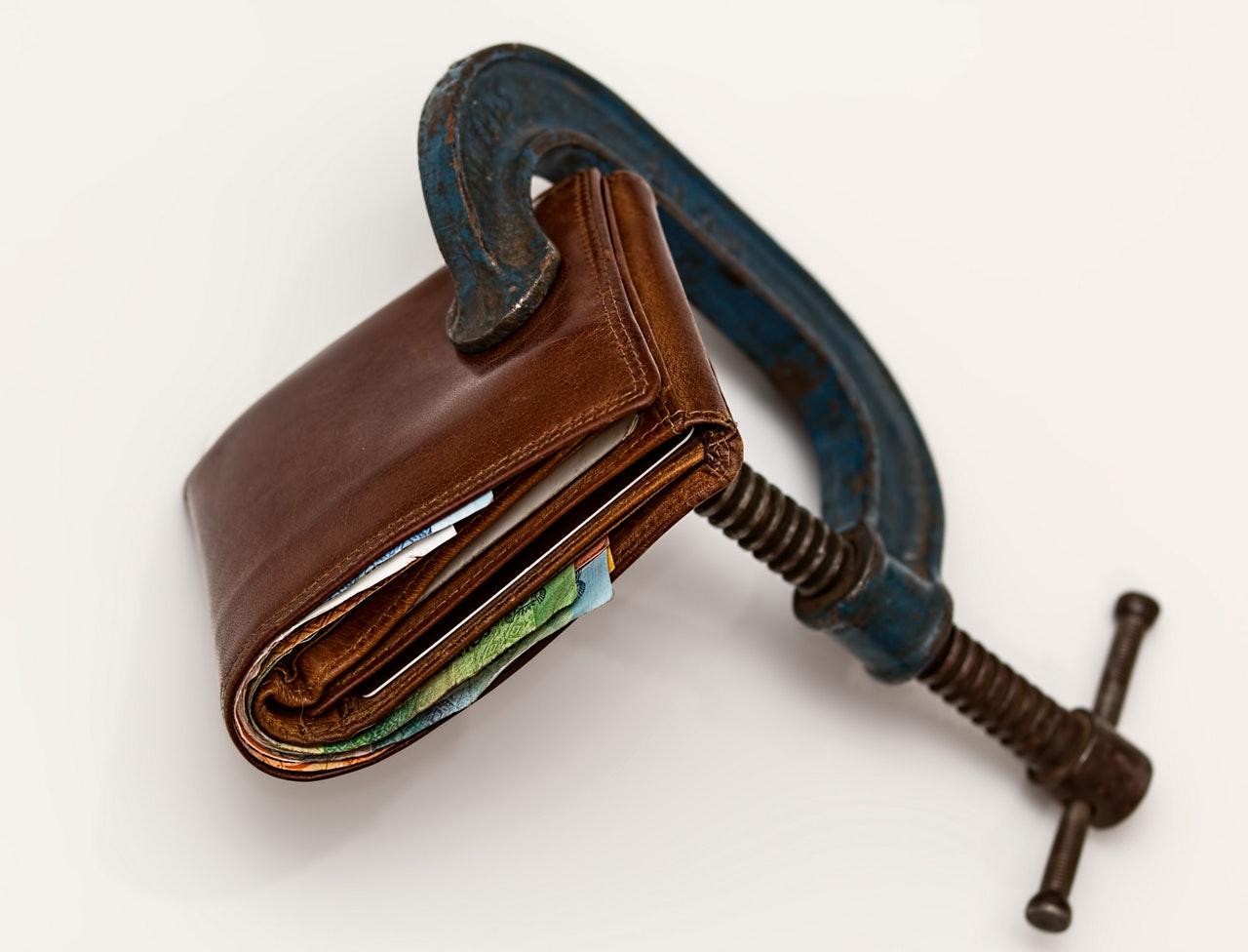 Jak rozumieć oszczędzanie – poznaj odpowiedź